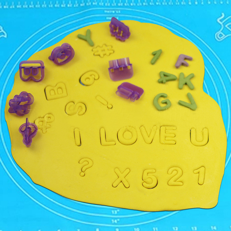 HB0982  40pcs Alphabet/Numbers cut out cookie cutters set